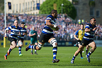 Taulupe Faletau of Bath Rugby goes on the attack. Aviva Premiership match, between Bath Rugby and London Irish on May 5, 2018 at the Recreation Ground in Bath, England. Photo by: Patrick Khachfe / Onside Images