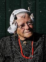 West-Friese Fokloredagen in Schagen.  Tijdens de jaarlijkse Folkloredagen in Schagen lopen veel inwoners in klederdracht