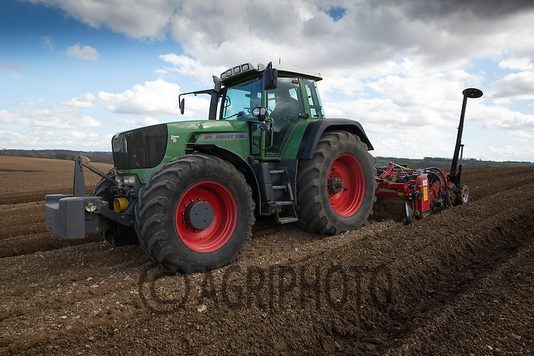 Bed forming with a George Moate 2 bed tiller.Picture Tim Scrivener 07850 303986.tim@agriphoto.com.?.covering agriculture in the UK?.