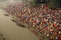 Indian Hindu people taking holydip in Gandak river on the occassion of Kartik Purnima during Sonepur cattle fair. Bihar, India, Arindam Mukherjee.