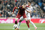 Real Madrid's Carlos Henrique Casemiro (r) and AS Roma's Edin Dzeko during UEFA Champions League match. March 8,2016. (ALTERPHOTOS/Acero)