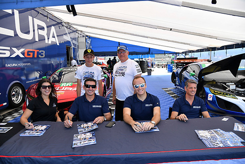IMSA WeatherTech SportsCar Championship<br /> Continental Tire Road Race Showcase<br /> Road America, Elkhart Lake, WI USA<br /> Sunday 6 August 2017<br /> 86, Acura, Acura NSX, GTD, Oswaldo Negri Jr., Jeff Segal, 93, Acura, Acura NSX, GTD, Andy Lally, Katherine Legge<br /> World Copyright: Richard Dole<br /> LAT Images<br /> ref: Digital Image RD_RA_2017_207