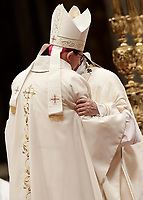 Papa Francesco (r) abbraccia il vescovo Waldemar Stanislaw Sommertag durante l'Ordinazione Episcopale nella Basilica di San Pietro in Vaticano, 19 marzo 2018.<br /> Pope Francis embraces bishop Waldemar Stanislaw Sommertag during the Episcopal Ordination at Saint Peter's Basilica at the Vatican, March 19, 2018. <br /> UPDATE IMAGES PRESS/Isabella Bonotto<br /> <br /> STRICTLY ONLY FOR EDITORIAL USE