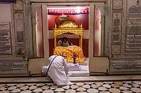 Asia,India,Punjab, Amristar, Golden temple,Palki Sahib where is the Sikh holy book, pilgrims pray