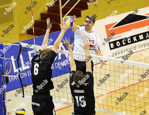 2012-11-20 / Volleybal / seizoen 2012-2013 /Antwerpen - Isku Tampere / Mads Ditlevsen (Antwerpen) ..Foto: Mpics.be