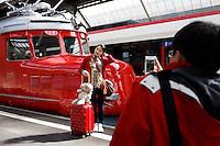 Publikumspraesentation des Roten Doppelpfeils &quot;Churchill&quot; am 19. April 2012 im Zuercher Hauptbahnhof <br /> Copyright &copy; Zvonimir Pisonic