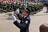 Am 4. Mai wird in Zagreb der Tag der Feuerwehr gefeiert. 1.800 Feuerwehrmänner und -Frauen und 48 Feuerwehrautos ziehen durch Stadt.