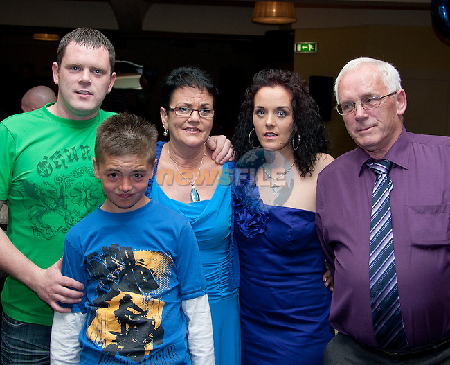Lily Gallagher with her family (Anthony, Kristian, Tony and Melissa) at her 60th in the Star and Crescent..Picture: Shane Maguire / www.newsfile.ie.
