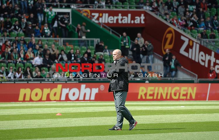 02.05.2015, Weserstadion, Bremen, GER, 1.FBL, Werder Bremen vs Eintracht Frankfurt, im Bild Thomas Schaaf (Trainer Eintracht Frankfurt)<br /> <br /> Foto &copy; nordphoto / Frisch