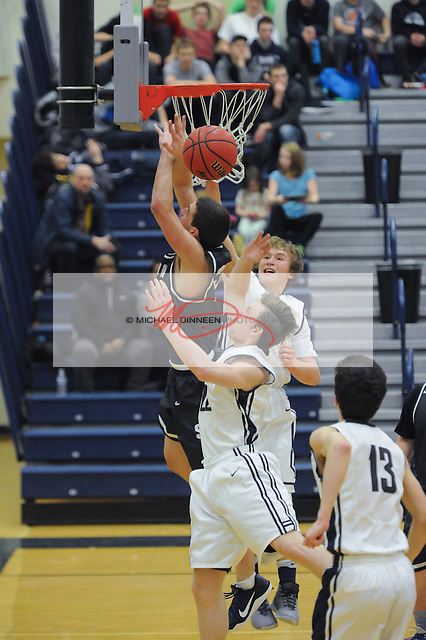 Eagle River vs. Soldotna High School. Photo by Michael Dinneen for the Star.