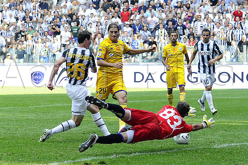 11 09 2011  Turin, Italy. Series A Juventus versus Parma.  Photo goal is scored by Stephan Lichtsteiner of Juve
