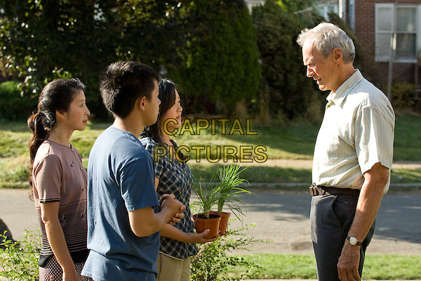 BROOKE CHIA THAO, BEE VANG, AHNEY HER & CLINT EASTWOOD.in Gran Torino.*Filmstill - Editorial Use Only*.CAP/FB.Supplied by Capital Pictures.