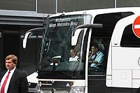 Mannschaftsbus kommt mit der Mannschaft am Teamhotel an - 31.08.2017: Teamankunft Deutschland in Prag, Marriott Hotel