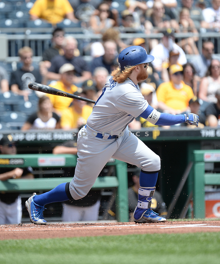 Los Angeles Dodgers Justin Turner (10) during a game against the Pittsburgh Pirates on June 27, 2016 at PNC Park in Pittsburgh, PA. The Dodgers beat the Pirates 4-3.