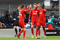 celebrate the goal, Torjubel zum 1:1 Ausgleich Dominik Drexler (Holstein Kiel) - 28.10.2017: SV Darmstadt 98 vs. Holstein Kiel, Stadion am Boellenfalltor, 2. Bundesliga