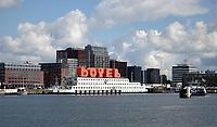 Nederland - Amsterdam - Juli 2020.  Nieuwbouw bij de NDSM Werf. Het Botel.  Foto ANP / Hollandse Hoogte / Berlinda van Dam