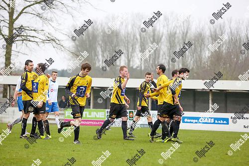 2016-01-24 / Voetbal / seizoen 2015-2016 / KSV Schriek - K.VV Duffel / Jorne Aerts zorgt voor de gelijkmaker voor Duffel  1-1 Foto: Mpics.be