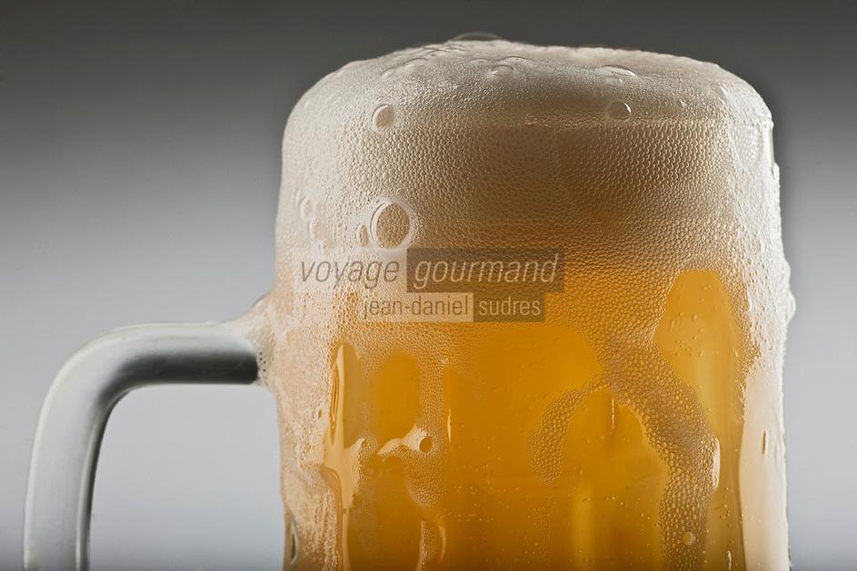Gastronomie Générale/Bière: Chope de bière blonde