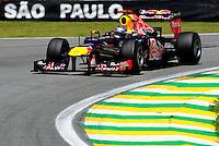 ATENCAO EDITOR: FOTO EMBARGADA PARA VEICULO INTERNACIONAL - SAO PAULO, RJ, 23 DE NOVEMBRO 2012 - O piloto alemao Sebastian Vettel da Red Bull é visto durante a primeira sessão de treinos livres para o Grande Prêmio do Brasil de Fórmula 1, no Autódromo José Carlos Pace (Interlagos), na zona sul de São Paulo, nesta sexta-feira (23). A prova está marcada para as 14h do domingo (23). FOTO: PIXATHLON - BRAZIL PHOTO PRESS.