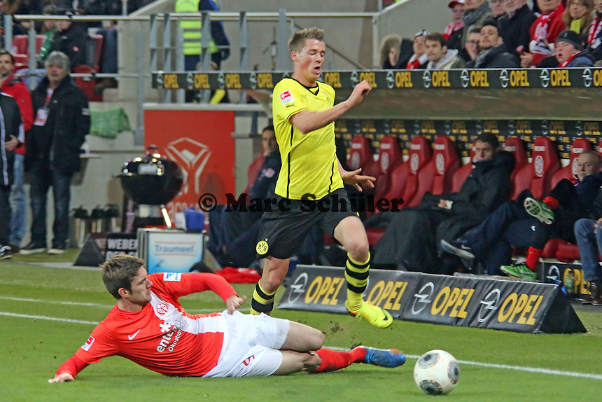 Stefan Bell (Mainz) gegen Erik Durm (BVB) - 1. FSV Mainz 05 vs. Borussia Dortmund, Coface Arena, 14. Spieltag