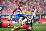 Antoine Griezmann (top) of Atletico de Madrid fights for the ball with Benat Etxebarria Urkiaga (Bottom) of Athletic Club during their La Liga match between Atletico de Madrid vs Athletic de Bilbao at the Estadio Vicente Calderon on 21 May 2017 in Madrid, Spain. Photo by Diego Gonzalez Souto / Power Sport Images