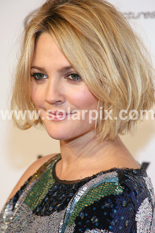 "**ALL ROUND PICTURES FROM SOLARPIX.COM**.**SYNDICATION RIGHTS FOR UK, AUSTRALIA, DENMARK, PORTUGAL, S. AFRICA, SPAIN & DUBAI The  ""Everybody's Fine"" New York Premiere at AMC Lincoln Square in New York City, NY, USA ..This pic:Drew Barrymore..JOB REF:10345   PHZ/Mayer    DATE: 04.12.09.**MUST CREDIT SOLARPIX.COM OR DOUBLE FEE WILL BE CHARGED**.**MUST NOTIFY SOLARPIX OF ONLINE USAGE**.**CALL US ON: +34 952 811 768 or LOW RATE FROM UK 0844 617 7637**"