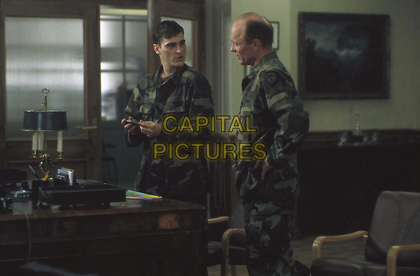 JOAQUIN PHOENIX & ED HARRIS.in Buffalo Soldiers .Filmstill - Editorial Use Only.Ref: FB.www.capitalpictures.com.sales@capitalpictures.com.Supplied by Capital Pictures