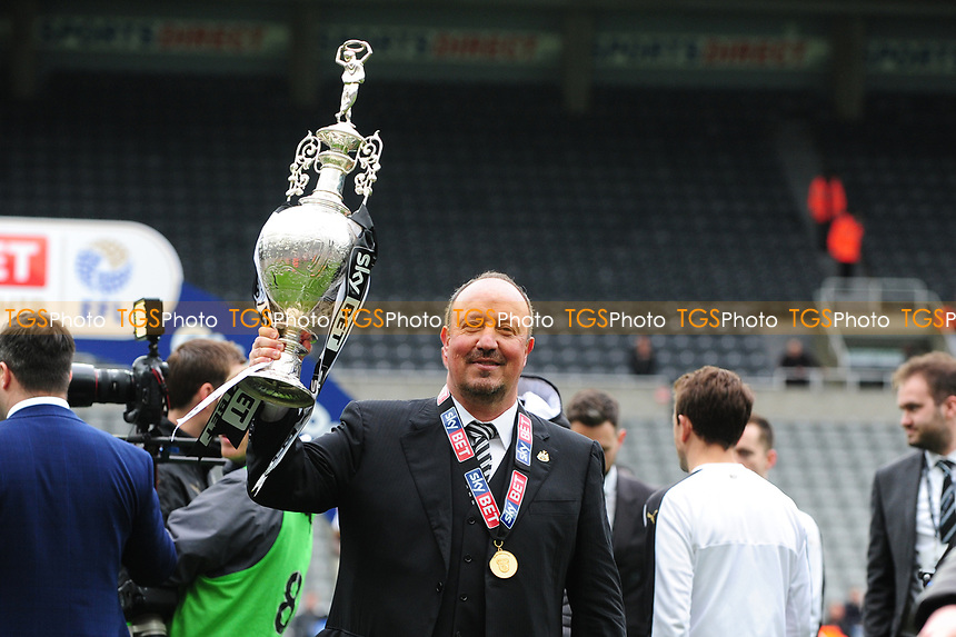 Newcastle United manager Rafa Benítez holds the Championship Trophy during Newcastle United vs Barnsley, Sky Bet EFL Championship Football at St. James' Park on 7th May 2017