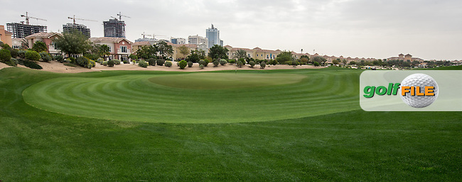 1st green at The Els Club , Dubai, United Arab Emirates.  28/01/2016. Picture: Golffile | David Lloyd<br /> <br /> All photos usage must carry mandatory copyright credit (&copy; Golffile | David Lloyd)