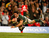 Photo: Richard Lane/Richard Lane Photography..Wales v South Africa. Prince William Cup. 24/11/2007. .South Africa's Ryan Kankowski dives in for a try.