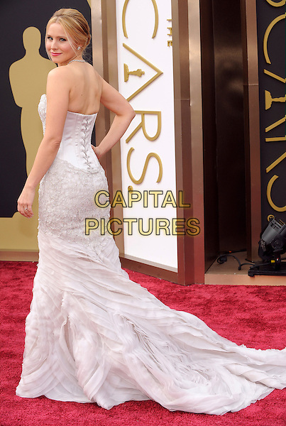 HOLLYWOOD, CA - MARCH 2: Kristen Bell arriving to the 2014 Oscars at the Hollywood and Highland Center in Hollywood, California. March 2, 2014.  <br /> CAP/MPI/mpi99<br /> &copy;mpi99/MediaPunch/Capital Pictures