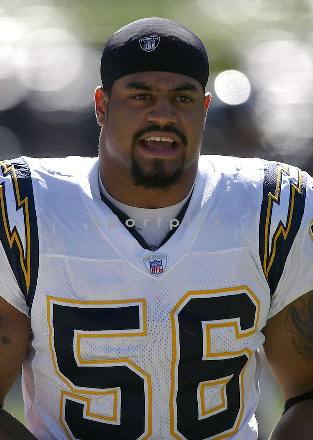 Shawne Merriman, of the San Diego Chargers, in action against the Oakland Raiders during their game on October 16, 2005...Chargers win 27-14..Rob Holt/SportPics