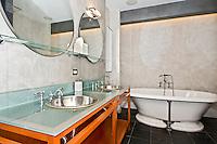 NYC Bathroom at 66 Leonard Street
