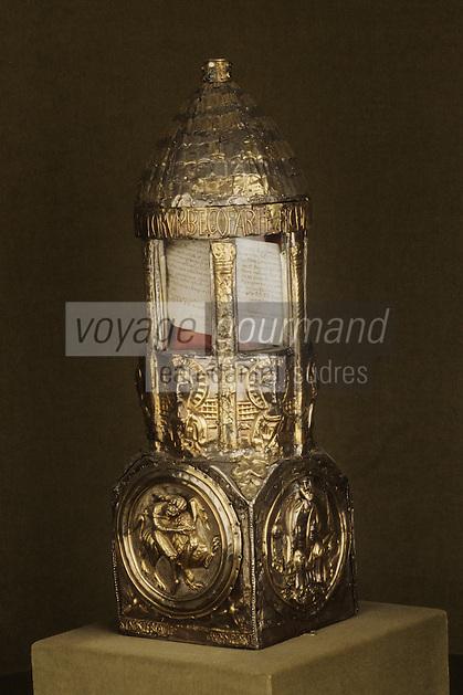 """Europe/France/Auvergne/12/Aveyron/Conques: Reliquaire dit """"Lanterne de Bégon"""" argent, vermeil - XIème"""