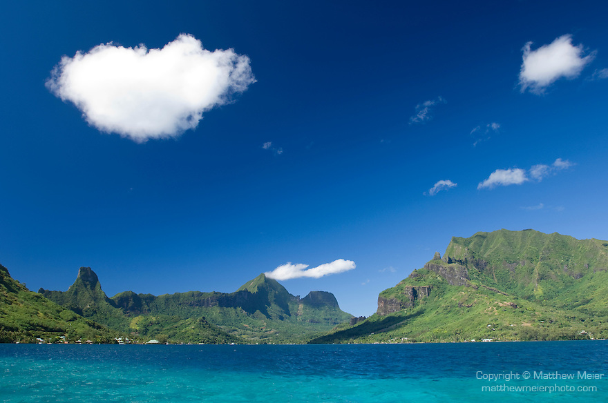 Cook's Bay, Moorea, French Polynesia; views of Cook's Bay from Teavaroa Pass, left to right are Mount Tearai (770 m), Mount Mouaputa (830 m), Mount Tohiea (1207 m) and Mount Rotui (899 m) , Copyright © Matthew Meier, matthewmeierphoto.com All Rights Reserved