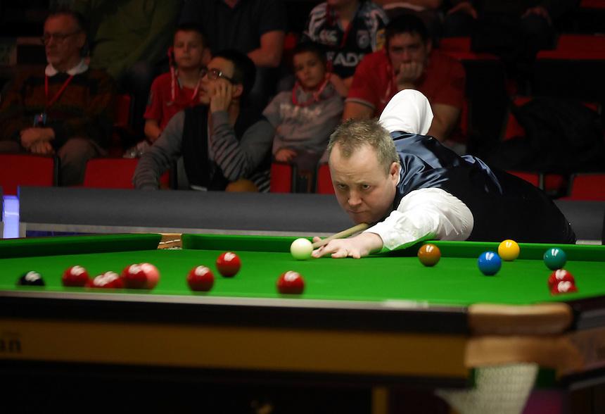 John Higgins  in action against  Ken Doherty in the last 64 match. <br /> <br /> Snooker - Betvictor Welsh Open 2014  - Monday 24th February 2014 - Newport Centre - Newport - Wales - UK <br /> <br /> Credit - CameraSport - Ian Cook <br /> <br /> &copy; CameraSport - 43 Linden Ave. Countesthorpe. Leicester. England. LE8 5PG - Tel: +44 (0) 116 277 4147 - admin@camerasport.com - www.camerasport.com