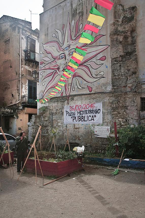Palermo, Ballar&ograve; district, &quot;Mediterraneo square&quot; a place created by some people living in the neighborood.<br /> Palermo, quartiere Ballar&ograve;, piazzetta Mediterraneo creata da alcuni degli abitanti e da un gruppo di volontari, come spazio di aggregazione.