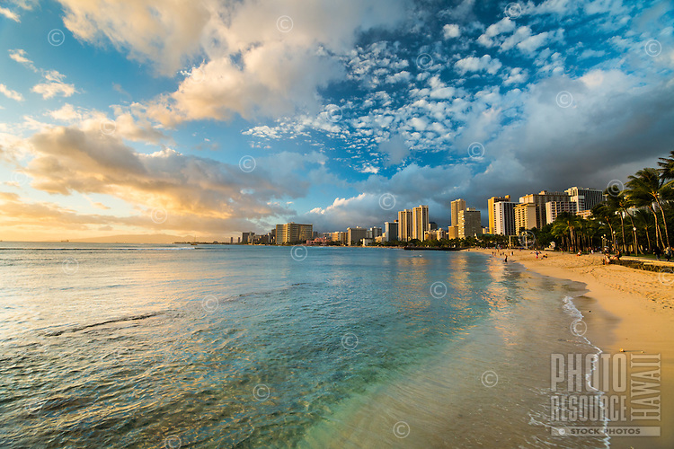 A sunny, peaceful day at a beach in Waikiki, East O'ahu.