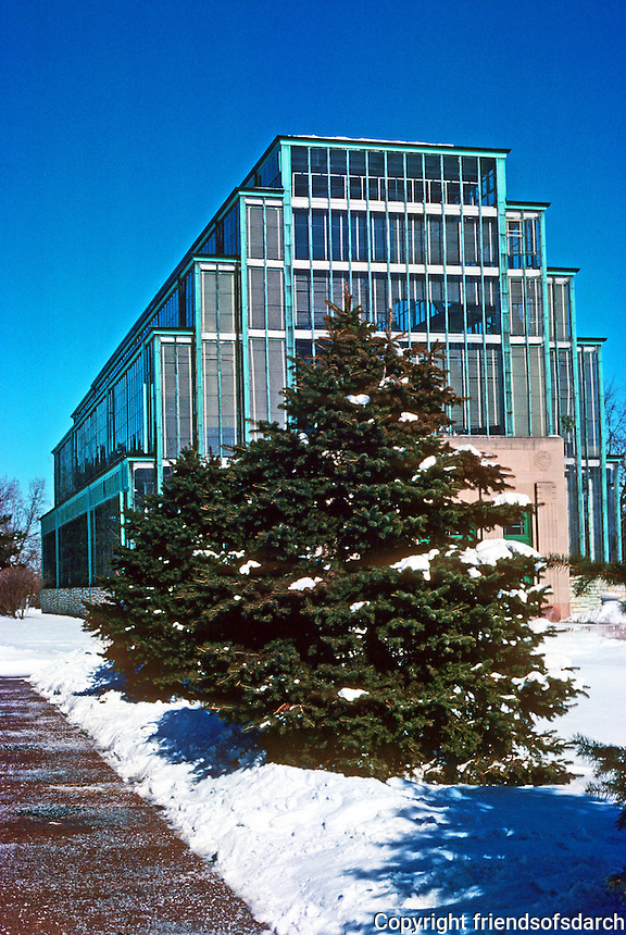 St. Louis: The Jewel Box, 1936. Wm. C.E. Becker, Engineer/Architect. Also known as St. Louis Floral Conservator (greenhouse). National Register of Historic Places 2000.  Photo '77.