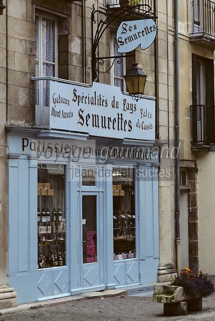 Europe/France/Bourgogne/29/Côte-d'Or/Semur en Auxois: La rue Buffon, boutique patissier