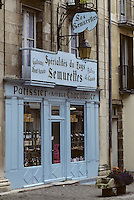 Europe/France/Bourgogne/29/Côte-d'Or/Semur en Auxois : La rue Buffon, boutique patissier