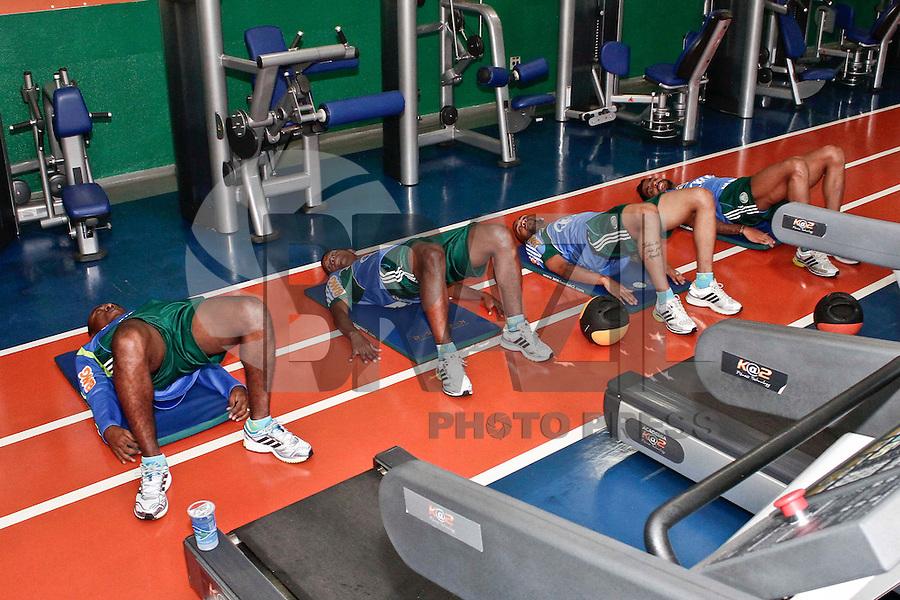 SÃO PAULO, 21 DE MARÇO 2013 - TREINO PALMEIRAS - Jogadores do Palmeiras durante treino na Academida de Futebol, na tarde desta quinta-feira(21), zona oeste da capital - FOTO: LOLA OLIVEIRA/BRAZIL PHOTO PRESS