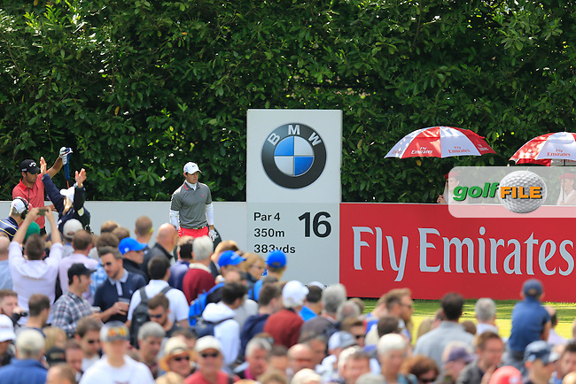 Rory McIlroy (NIR) on the 16th during the final round of the BMW PGA championship, Wentworth Golf Club, Virginia Water, London.<br /> Picture: Fran Caffrey www.golffile.ie