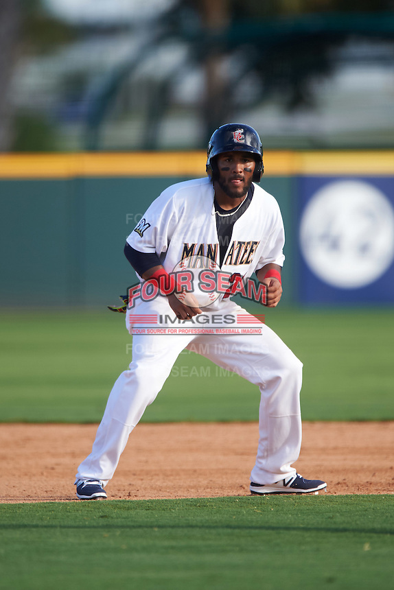 Brevard County Manatees shortstop Wendell Rijo (23) leads off second during a game against the Daytona Tortugas on August 14, 2016 at Space Coast Stadium in Viera, Florida.  Daytona defeated Brevard County 9-3.  (Mike Janes/Four Seam Images)