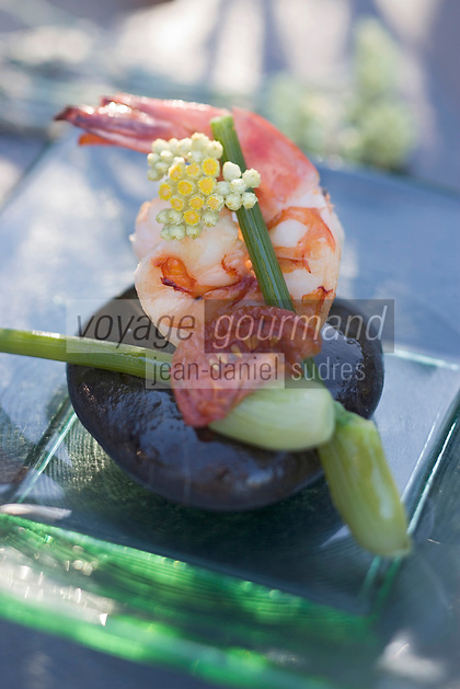 Europe/France/Provence-Alpes-Côte- d'Azur/84/Vaucluse/Menerbes: Grosse Gambas sur un galet recette de Gérald Potron chef de la La Bastide de Marie