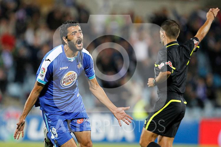 Getafe's Daniel Gonzalez Guiza celebrates goal during La Liga match.October 26,2011. (ALTERPHOTOS/Acero)