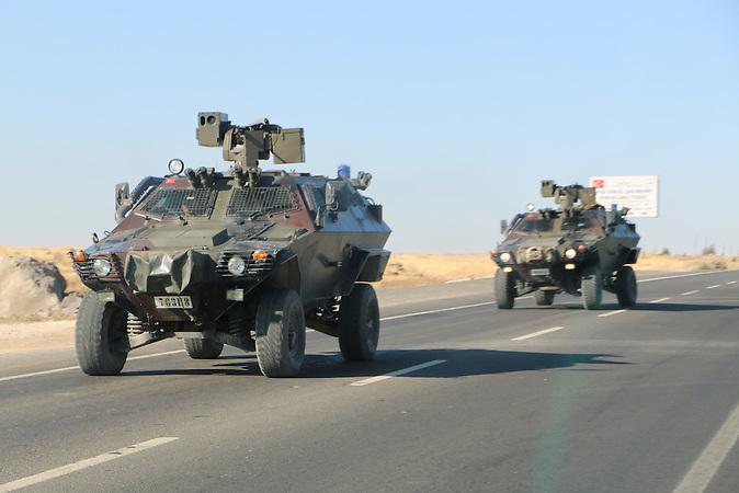 Türkische Panzer nahe der syrischen Grenze bei Suruc
