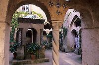 Europe/Italie/Côte Amalfitaine/Campagnie/Ravello : Villa Cimbrone (érigée au début du XIX° par Lord William Bechett) qui abrita en 1938 les amours de Greta Garbo et du musicien Leopold Stokowski