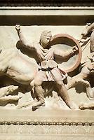 Türkei, Alexandersarkophag im archäologischen Museum (Archeoloji Müzesi)  in Istanbul,  der Sarkophag stammt aus der Nekropole Sidon im Libanon (4.Jh. v.Chr.), Darstellung des Feldherrn Abdalonymos