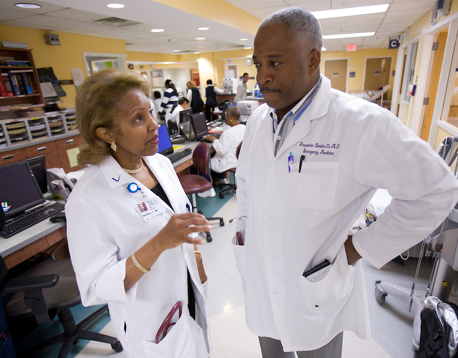 Slug: AMN/MAXWELL.Date: 05/ 20 / 2008.Photographer: Mark Finkenstaedt .Location: HOWARD UNIVERSITY HOSPITAL , Washington, DC.Caption:  Dr Celia Maxwell at one if the hospital free HIV/AIDS testing facilities where anyone can come in for a 20 minute HIV/AIDS test. ..Also seen with Dr Maxwell in the ER is Fernando Daniels ER Physician..© 2008 Mark Finkenstaedt. All Rights Reserved.No transfers or loans.  For the use of AMN/AMA for the AMN publication. For additional use call the photographer.2022582613.mark@mfpix.com
